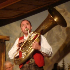 Folklore Shows in Tirol